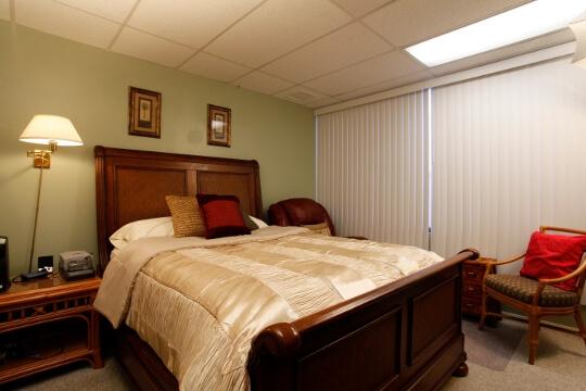 Pearl City - Room 2